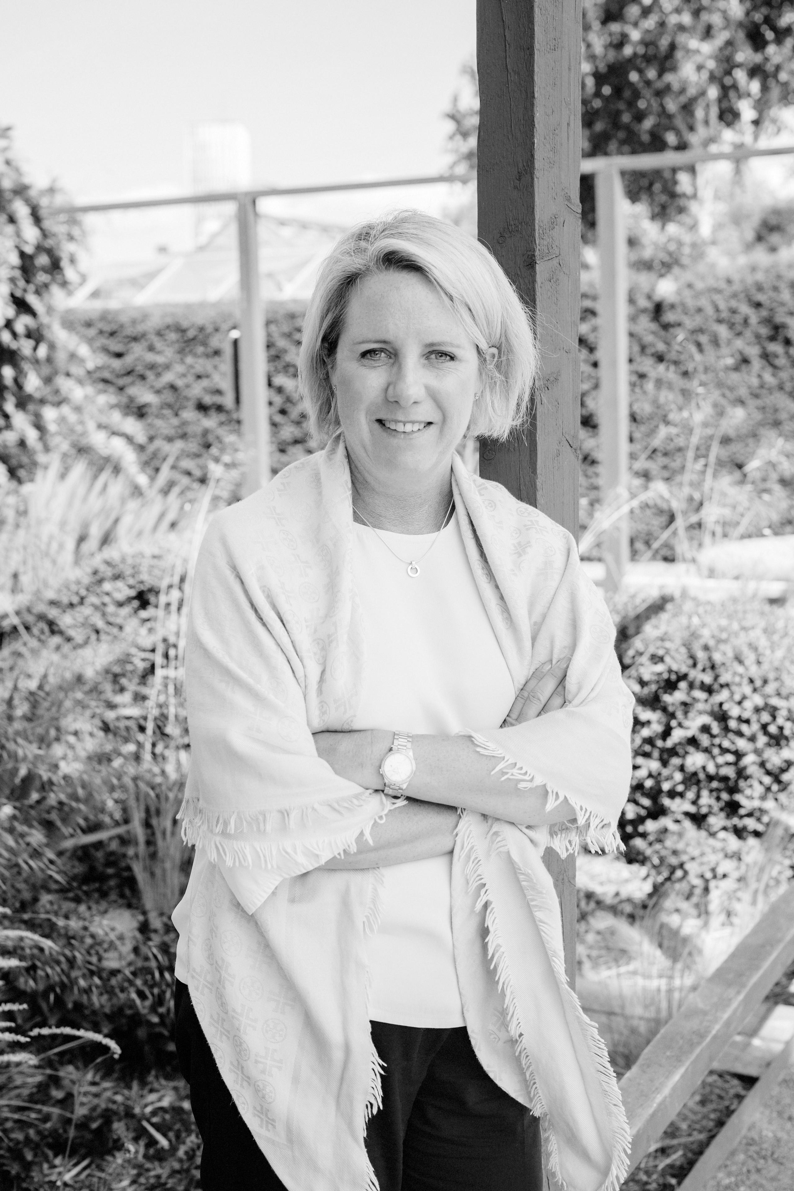 Pauline Svartvitt (2)